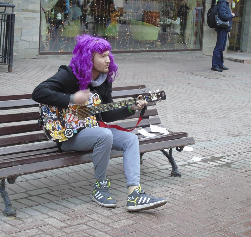 lilovy_gitarist1_aB