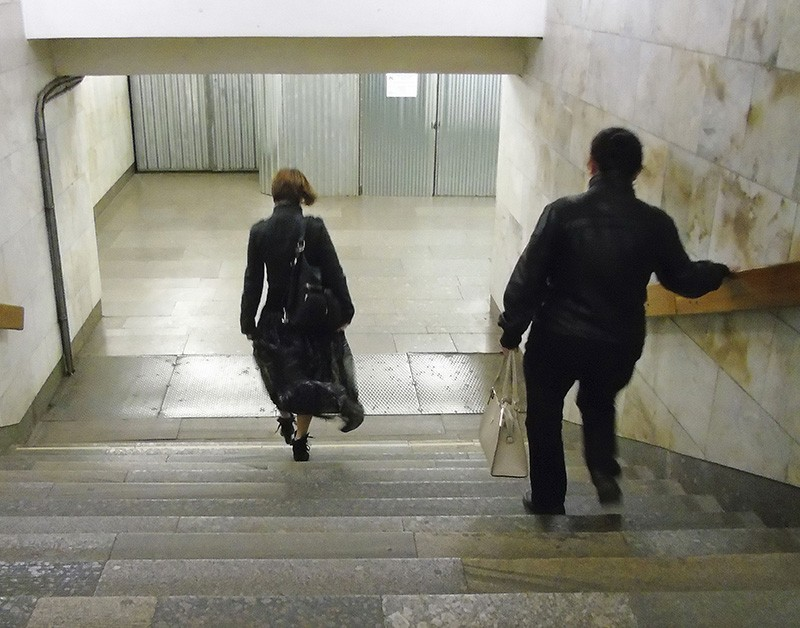 beauty_on_stairs_rezko_aB