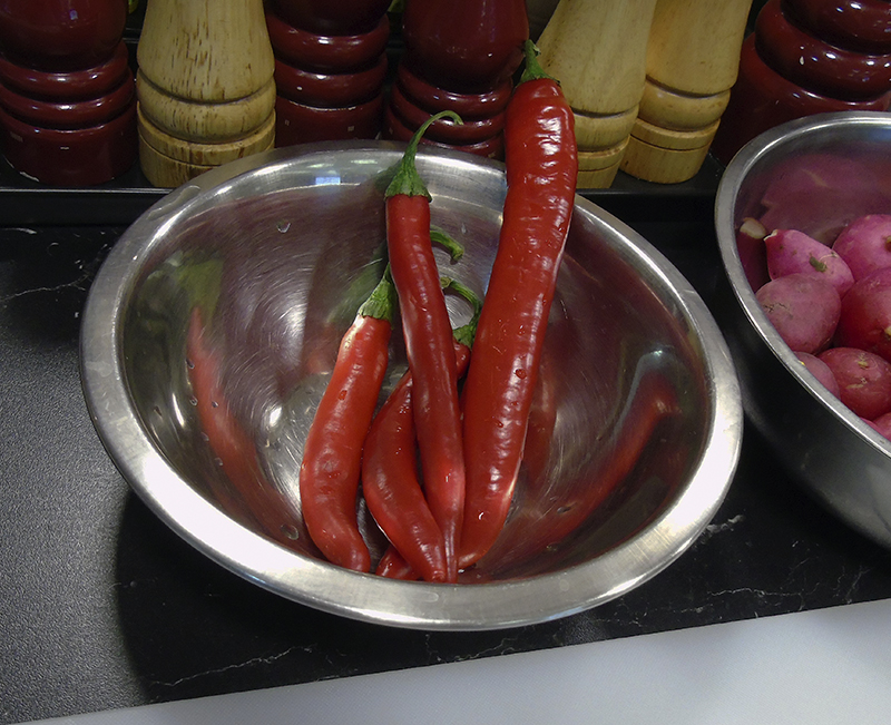 hot_red_peppers1_miska1A_aB