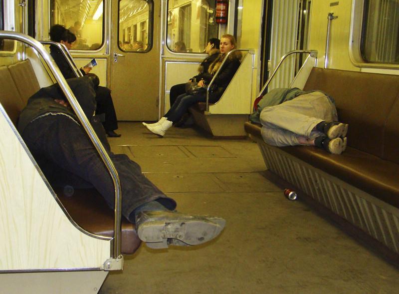 dvoe_Son_Metro_1A_osvetl17_contrast18_osvet_aB