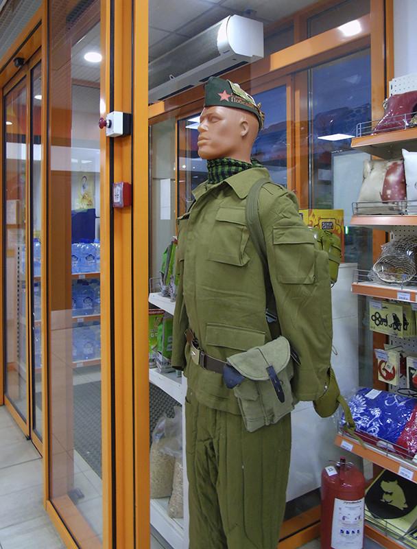 soldat_manecan1A_zatemn11_contras22_aB