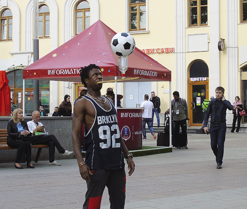 footballist1E++_osvet37_contrast24_aB