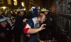 occupy-wall-street-arrest-007