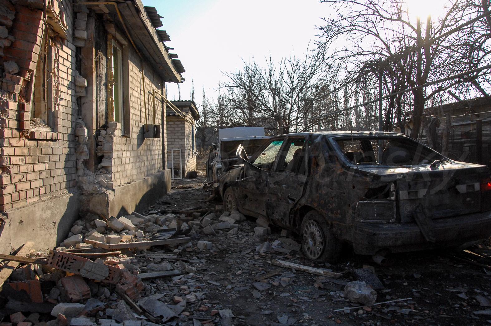 144245_original Что осталось от Песок Донецкого района (фоторепортаж)