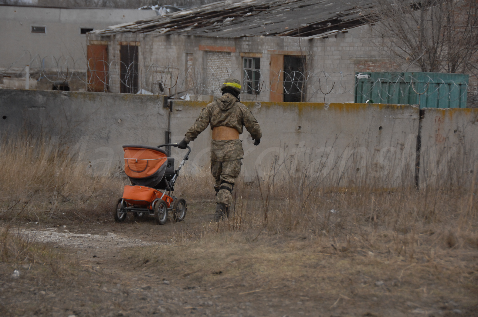 144958_original Что осталось от Песок Донецкого района (фоторепортаж)