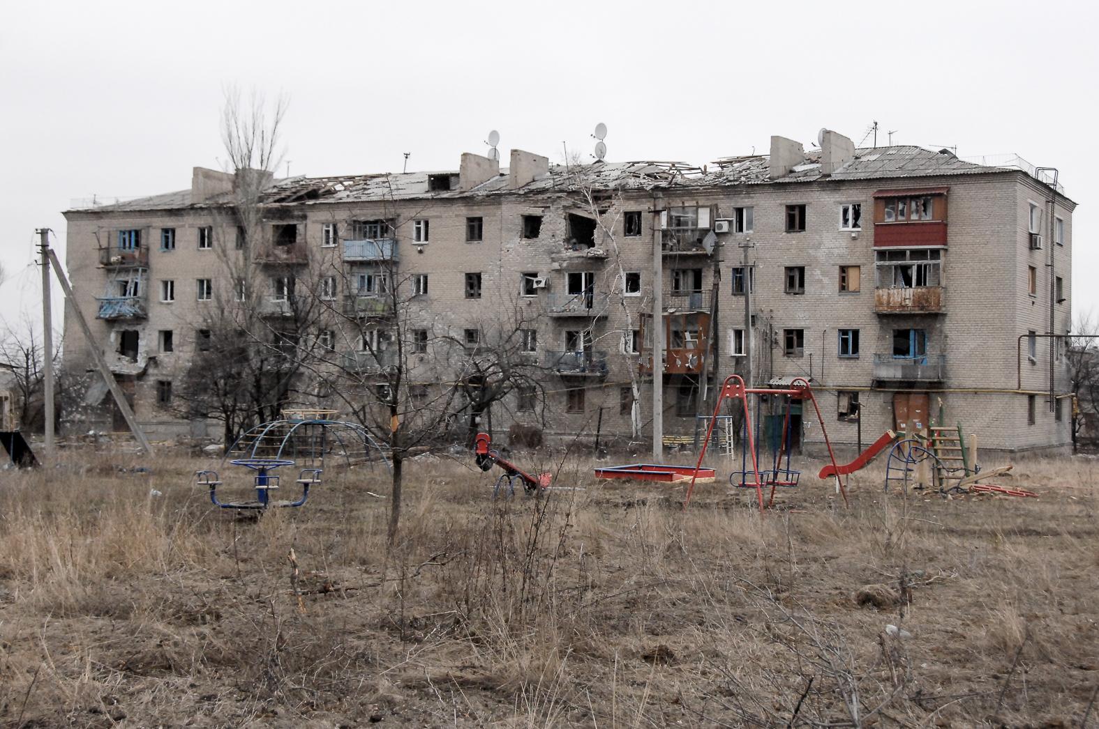 145515_original Что осталось от Песок Донецкого района (фоторепортаж)