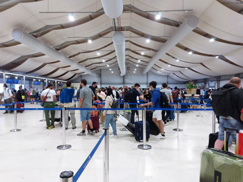 аэропорт Бен-Гурион. Очередь на тест на коронавирус