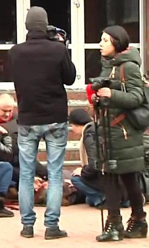 2014.02.19 Стрельба с СБУ в Хмельницком.mp4_000275080_1