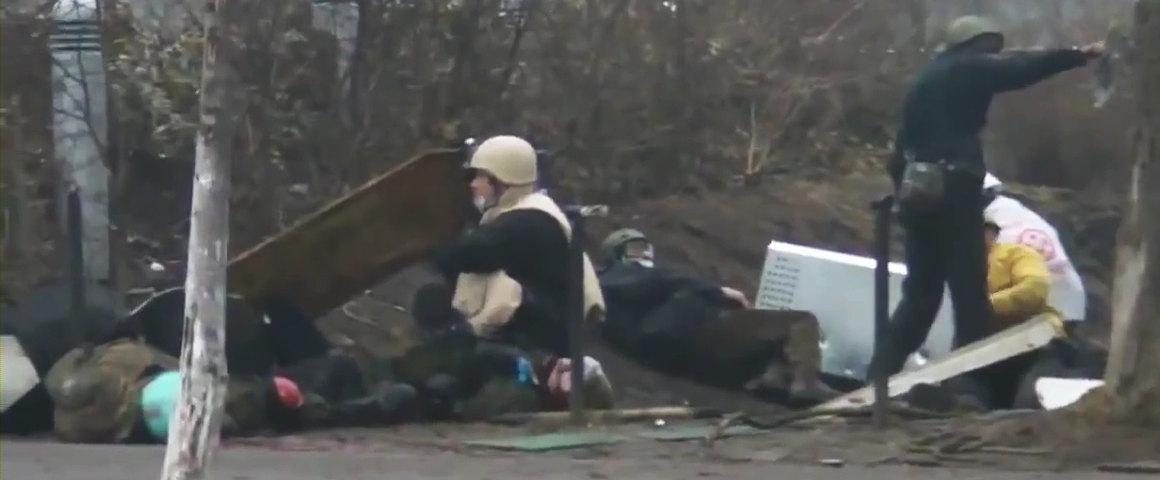 2014.02.20 Полное видео с Киева ул Институтская_001233498_1