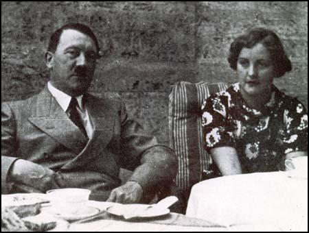 006 - Юнити и Гитлер
