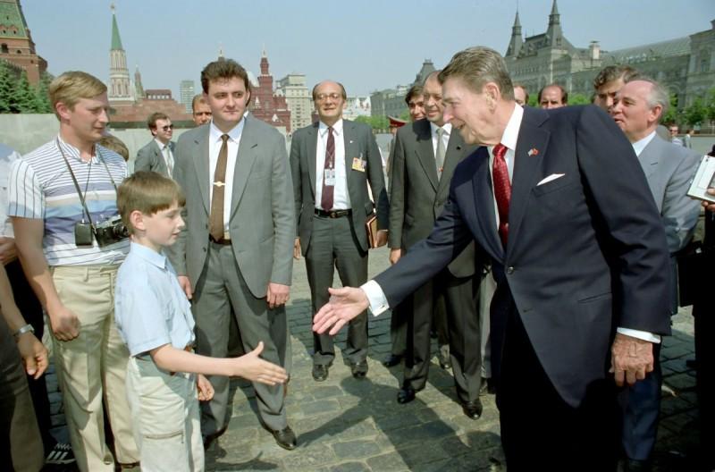 """30 лет назад. Как СССР перестал быть """"империей зла"""""""