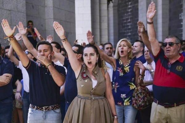 Ультраправые требуют защитить место погребения Франко