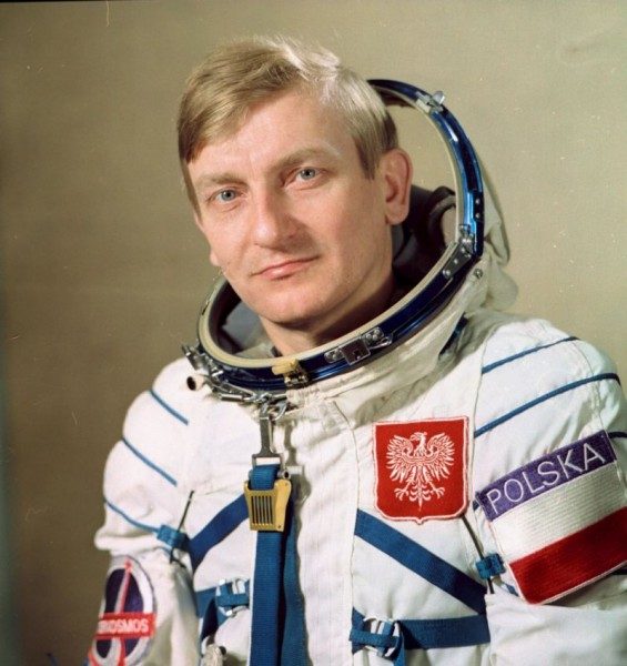 О Волынской резне, первом космонавте, и о том, как правы были социалистические