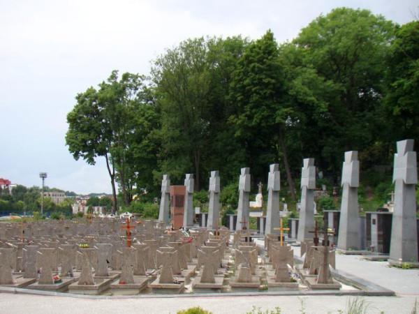 06948_Lviv._UNA-Galizien_memorial_(Ukraine),_2011