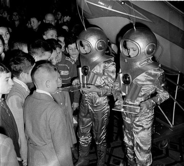 elka_003_Участники новогоднего представления в Большом Кремлевском дворце. Москва, 1 января 1960 г. Автор В. Соболев.