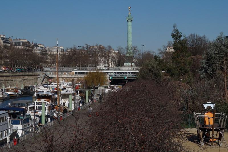 площадь Бастилии из сада Арсенала izm
