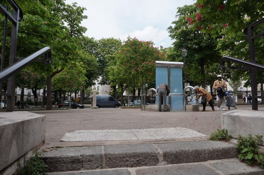 артезианский колодец на площади Поля Верлена 1 izm