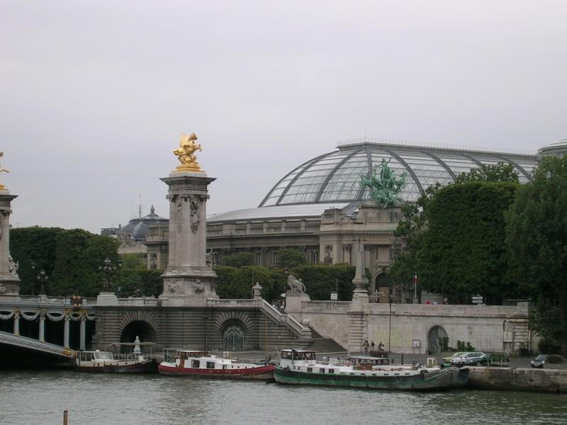 Большой дворец и мост Александра Третьего
