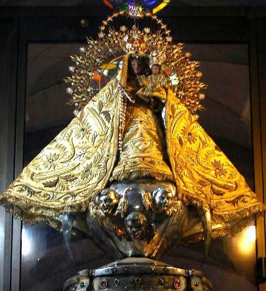 Известный образ Девы Марии из города Сантьяго-де-Куба. На самом деле, это никакая не Дева Мария, а африканская богиня Очун.