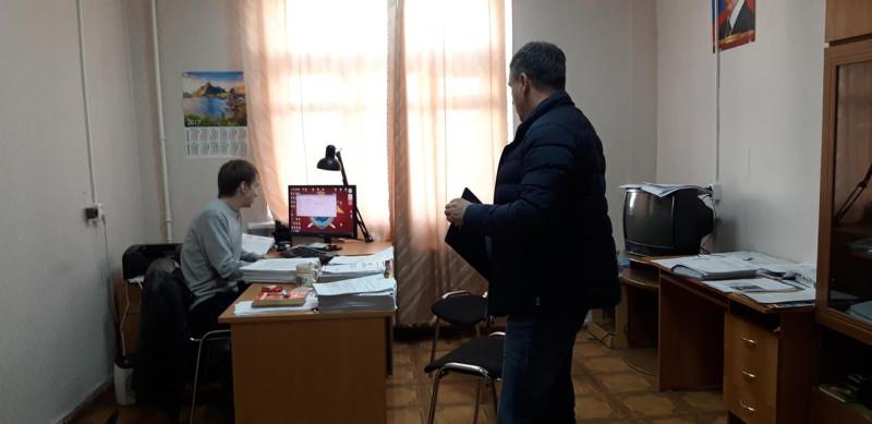 Алексей Соколов и сотрудник Симонов