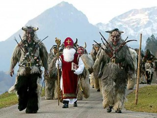 Krampusse, Buttenmandl and St Nicholas at Berchtesgaden