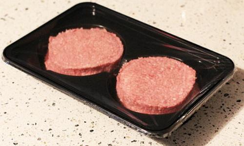 На ирландской фабрике по производству гамбургеров обнаружили конину в бургерах вместо говядины