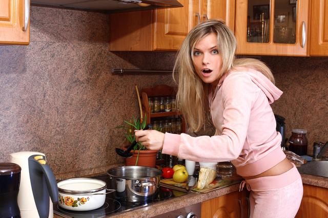 Онлайн мама с шикарнойпилоткой на завтрак