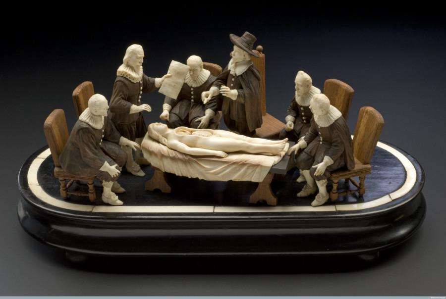 "Картинка дня: скульптура ""Урок анатомии"". XVIII век"