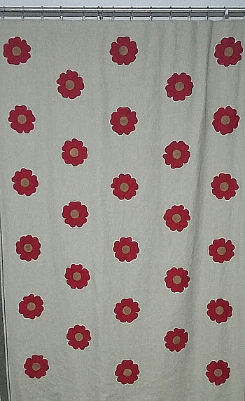 28 full roses and some gaps for the half-roses top and bottom where the pattern repeats