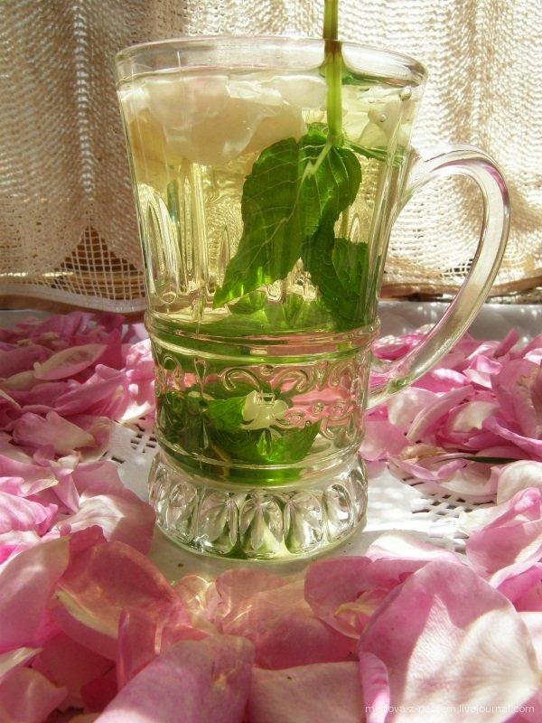 - розово-мятный чай