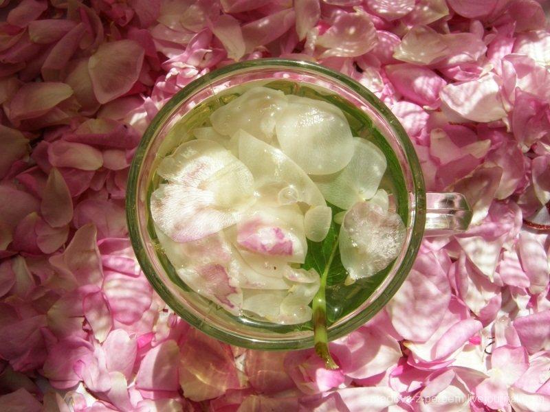 - мятно-розовый чай