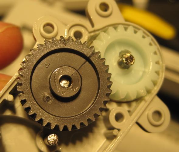 Как сделать робота щётку