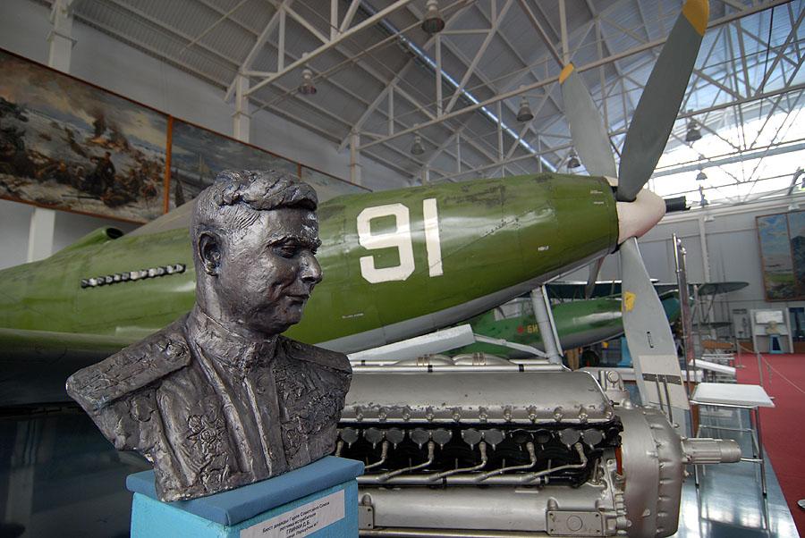 первый ангар посвящен самолетам и технологиям Второй Мировой войны
