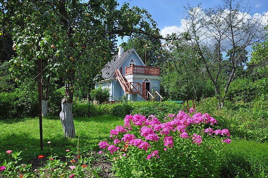 использовать чеховский сад фото является