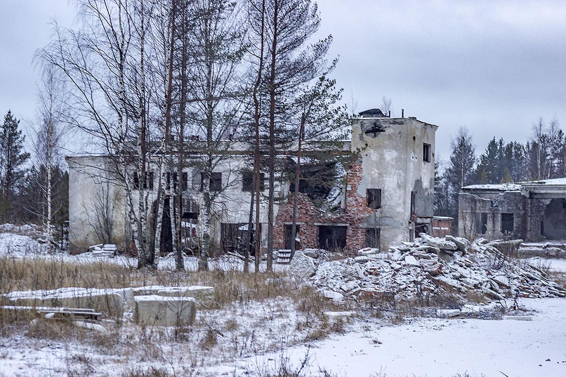 Развалины мясокомбината. Медвежьегорск. раньше, сообщил, мужик, мясокомбинат, который, девяностые, разбомбили, местный, нашлось, давно, абандона, колоритного, попадалось, Информации, руинах, интернетах, Такого