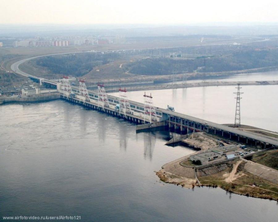 Чебоксарская ГЭС. Вид с самолета
