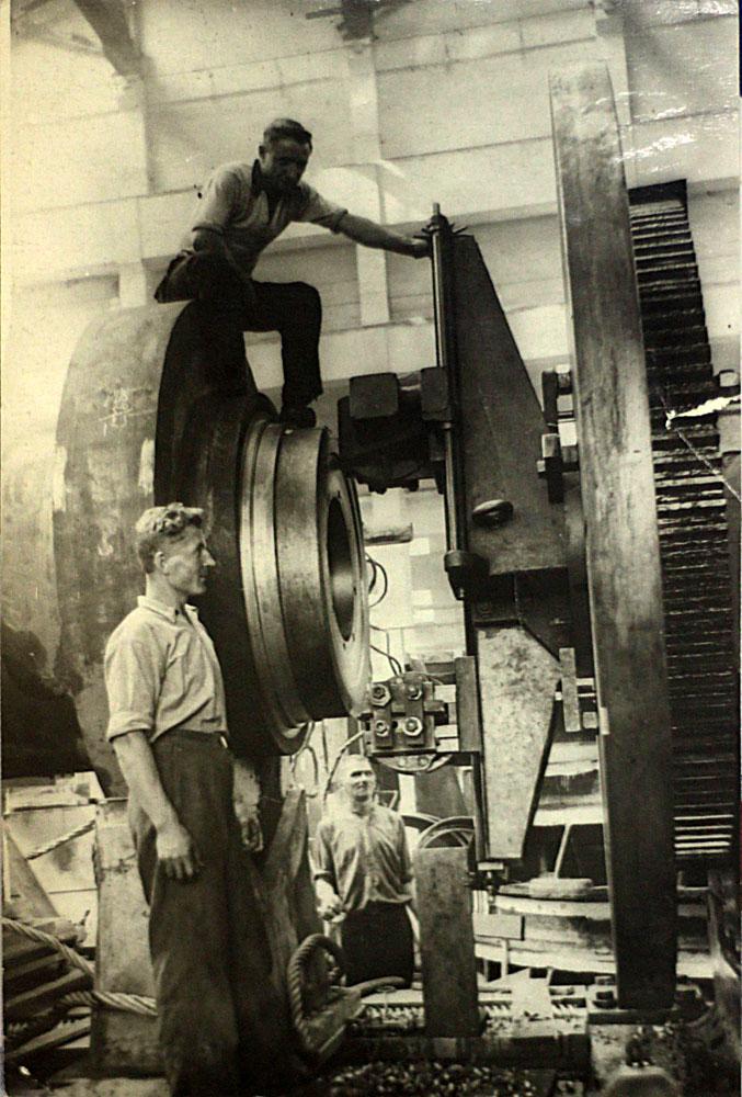 Угличская ГЭС Вал турбины
