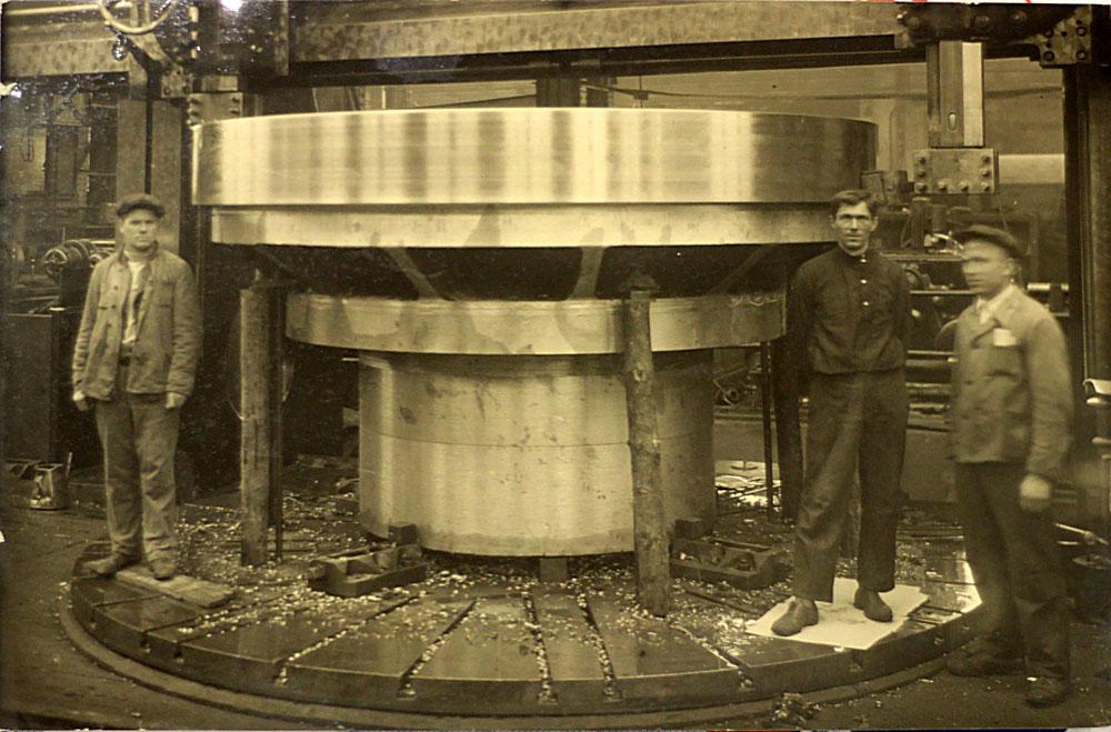 Угличская ГЭС Обработка втулки ротора гидроагрегата №1.
