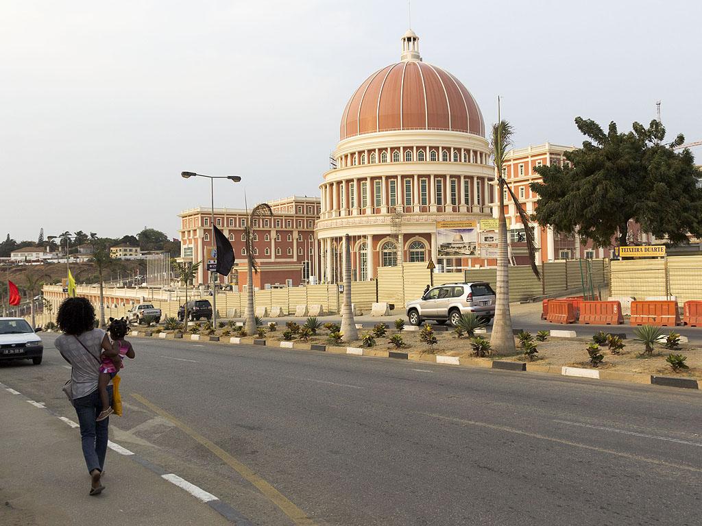Луанда Парламент