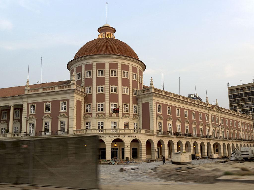 Луанда национальны банк Анголы