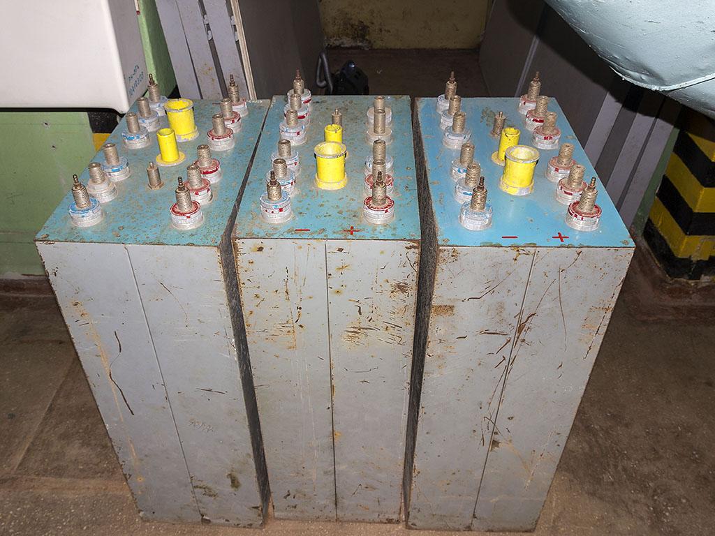 зарядка аккумуляторов подводных лодок