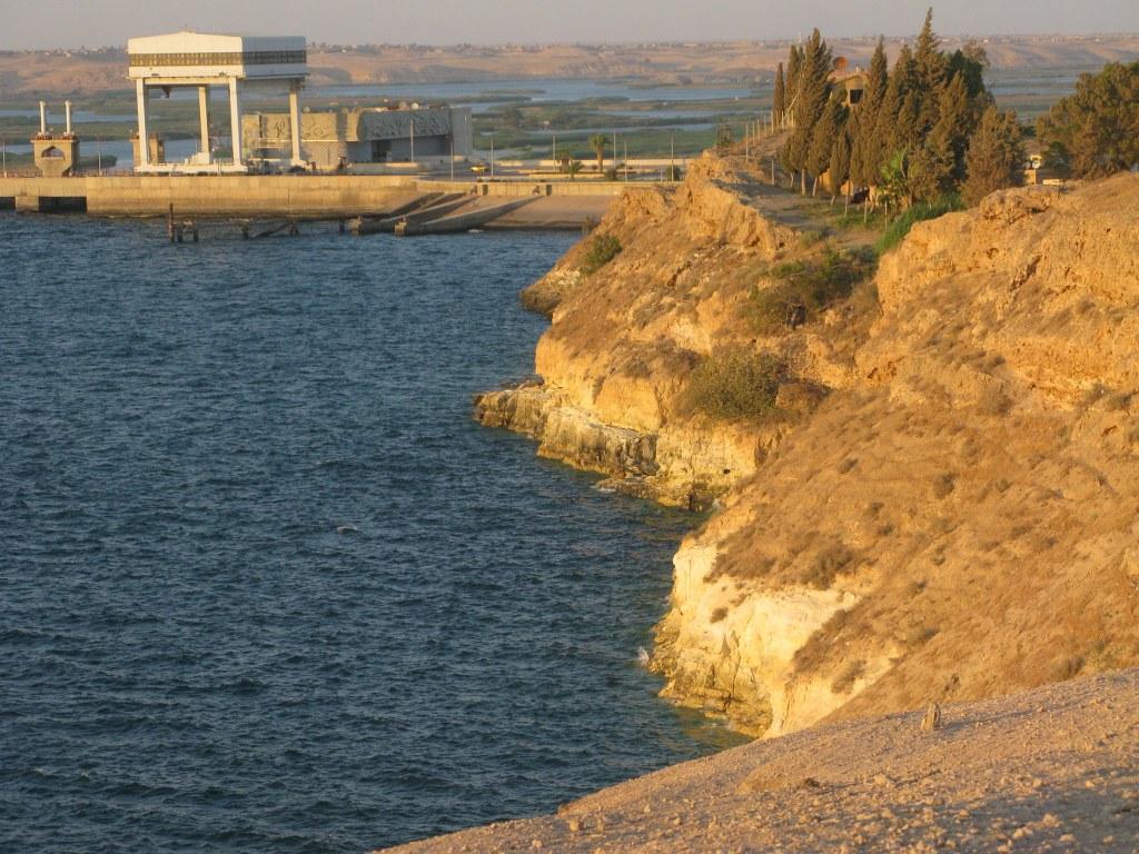 Берег водохранилища