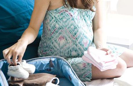 Необходимые вещи для новорождённого в роддом и после родов.