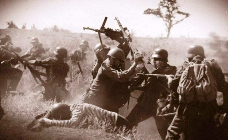 Еще тогда нас не было на свете, за нас отцы свой бой вели. И победили всех, чтоб даровать нам жизнь!