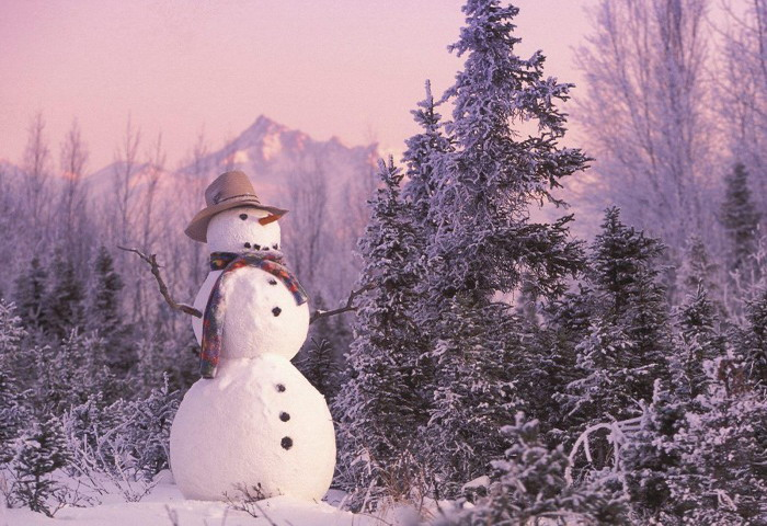 christmas-holiday-snowman-for-christmas-free-wallpaper-in-free-desktop-700x525
