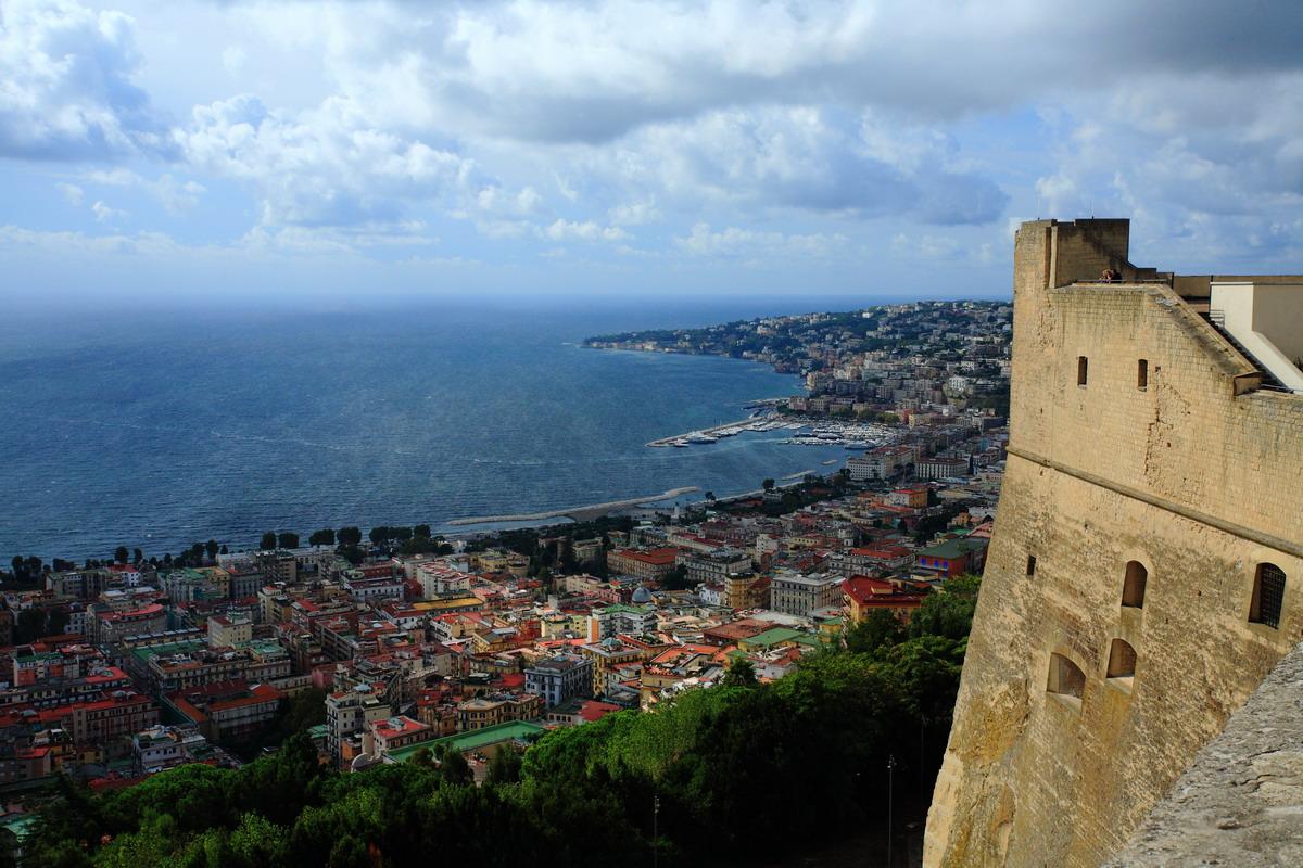 Панорама города Неаполь