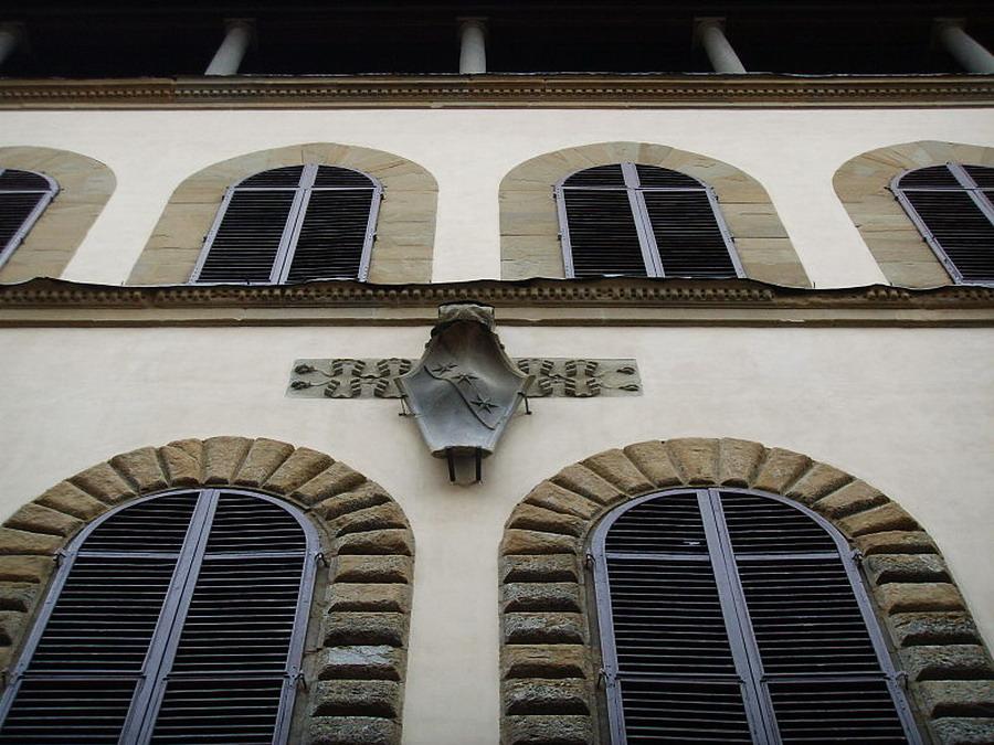800px-Palazzo_ginori_stemma