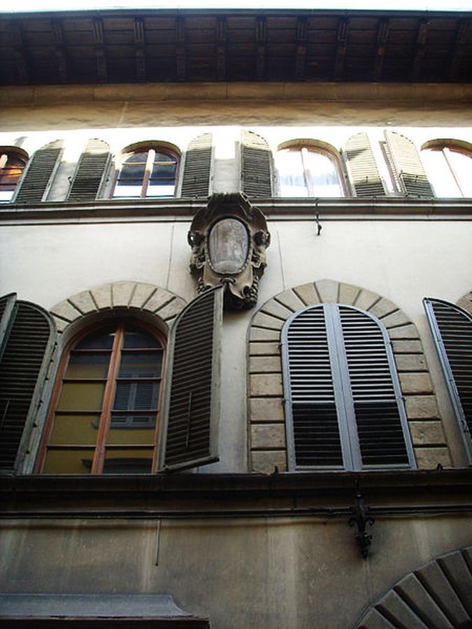 450px-Palazzo_rosselli_del_turco,_stemma