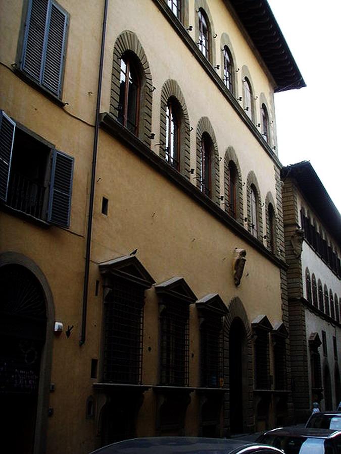 450px-Palazzo_ricasoli_firidolfi