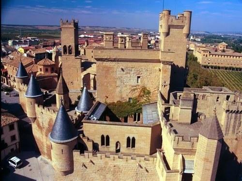 351276_GXW8FOZGSVNYWMHNO7BJ7CZMRBEVVM_castillo-de-olite-navarra_H193053_L